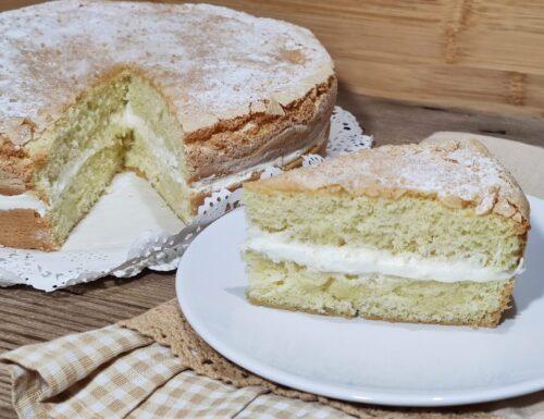 Torta Savoiardo Sarda soffice farcita alla crema