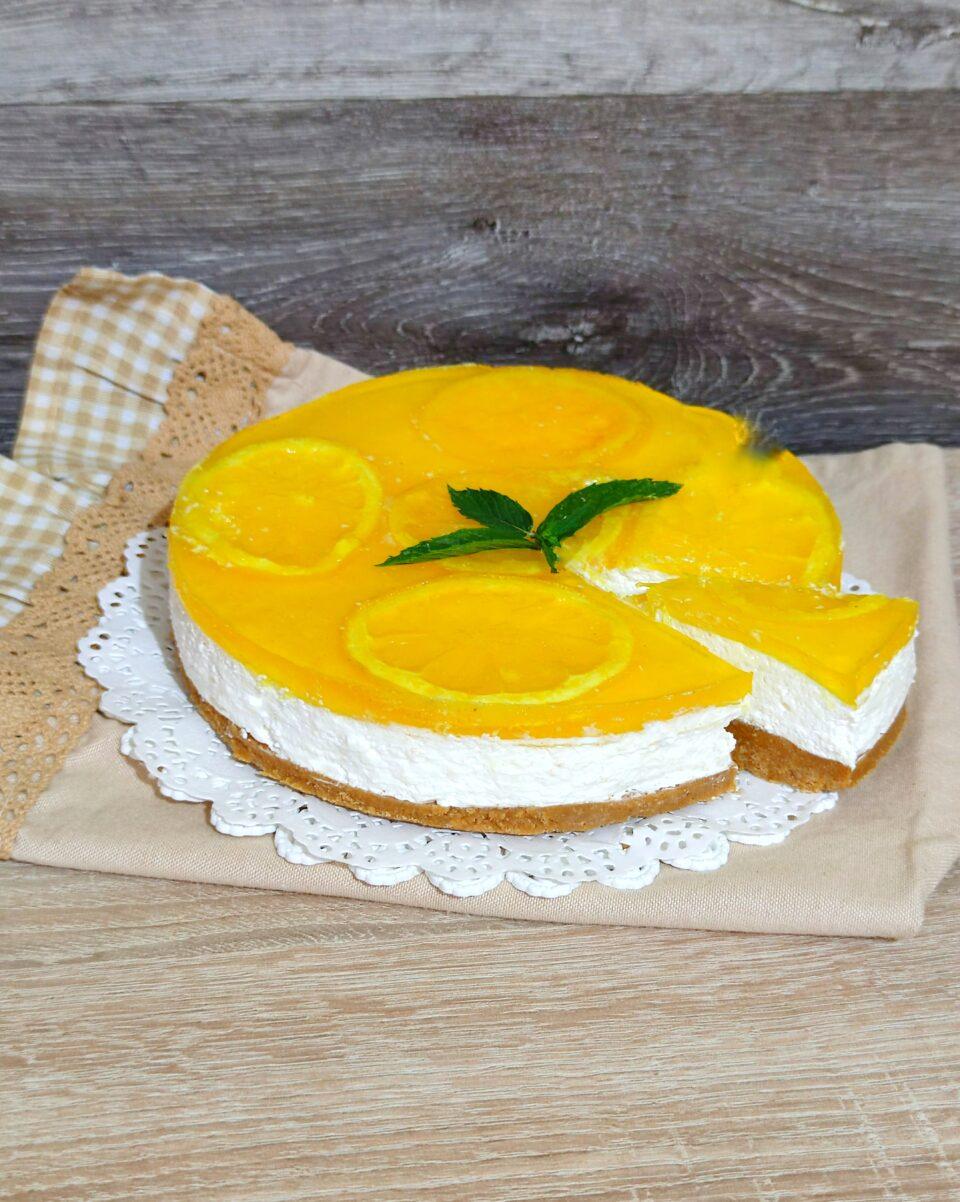 Torta al limone, yogurt e panna senza cottura